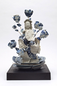 7_Guan-Yin-with-flowers-