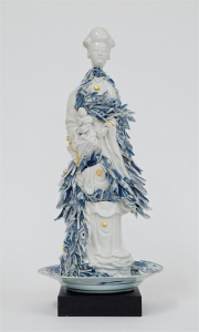 Guan-yin-with-porcelain-shards
